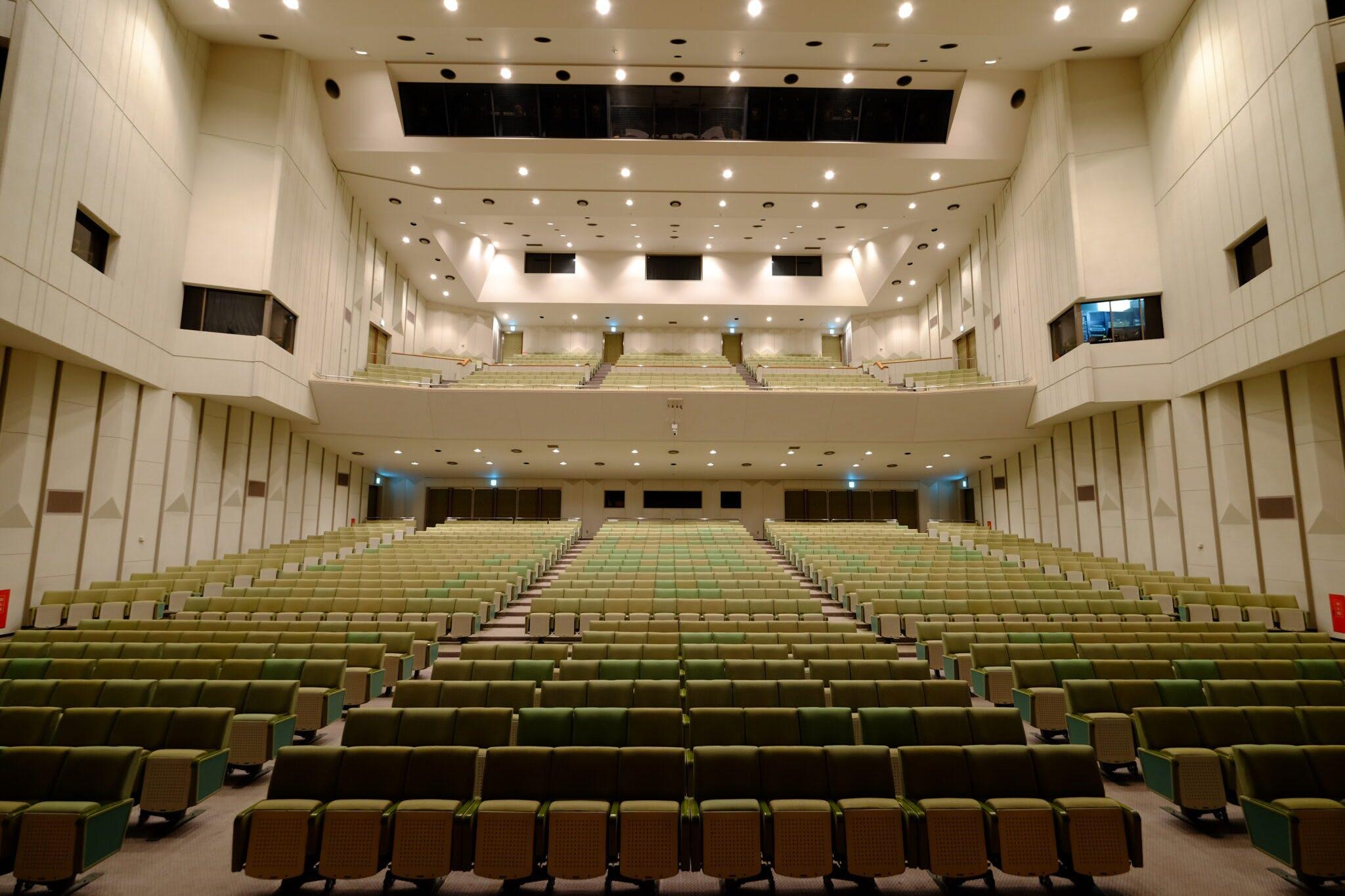 グリーンホール大ホール 舞台から客席