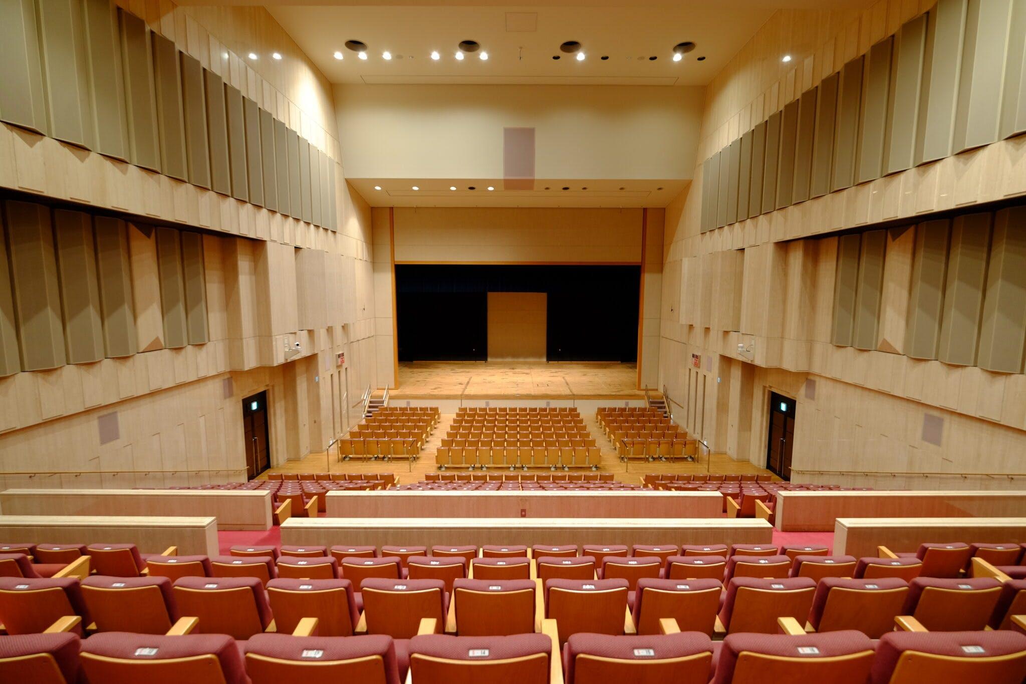 2階くすのきホール 客席側から舞台