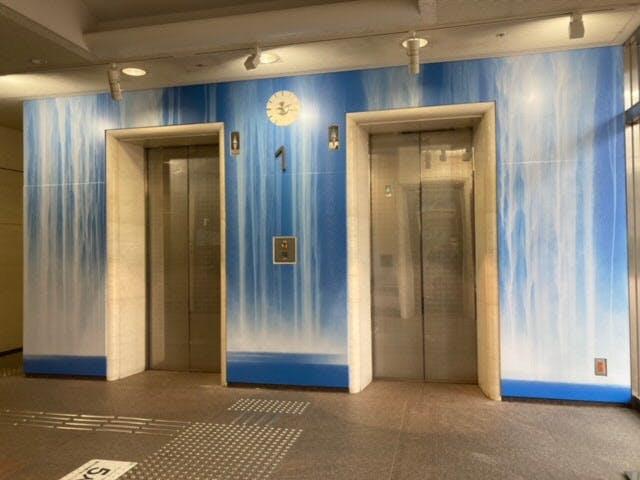 エレベーターアート1